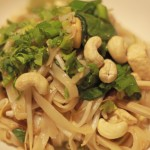 veggie runners tofu and cashew pad thai, vegan pad thai, vegetarian pad thai, pad thai recipes