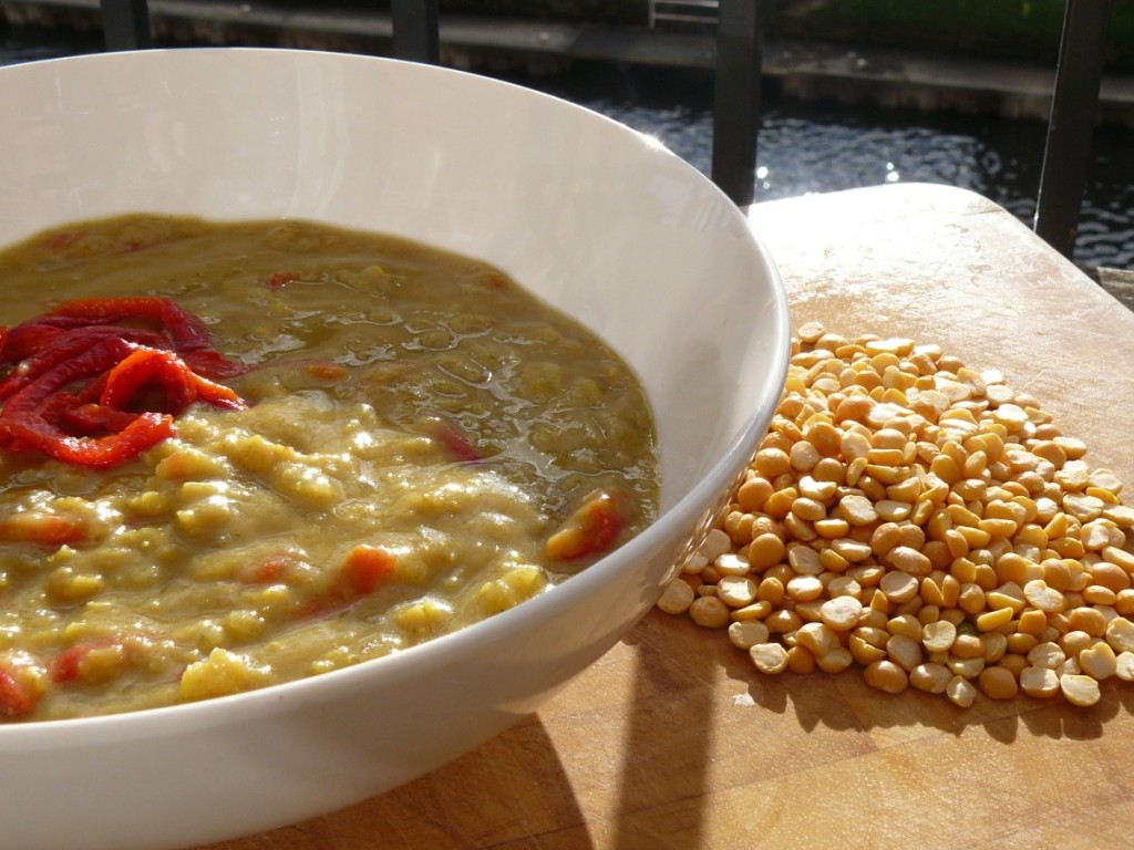 split pea soup, roasted red peppers, vegan soup recipes, vegetarian soup recipes