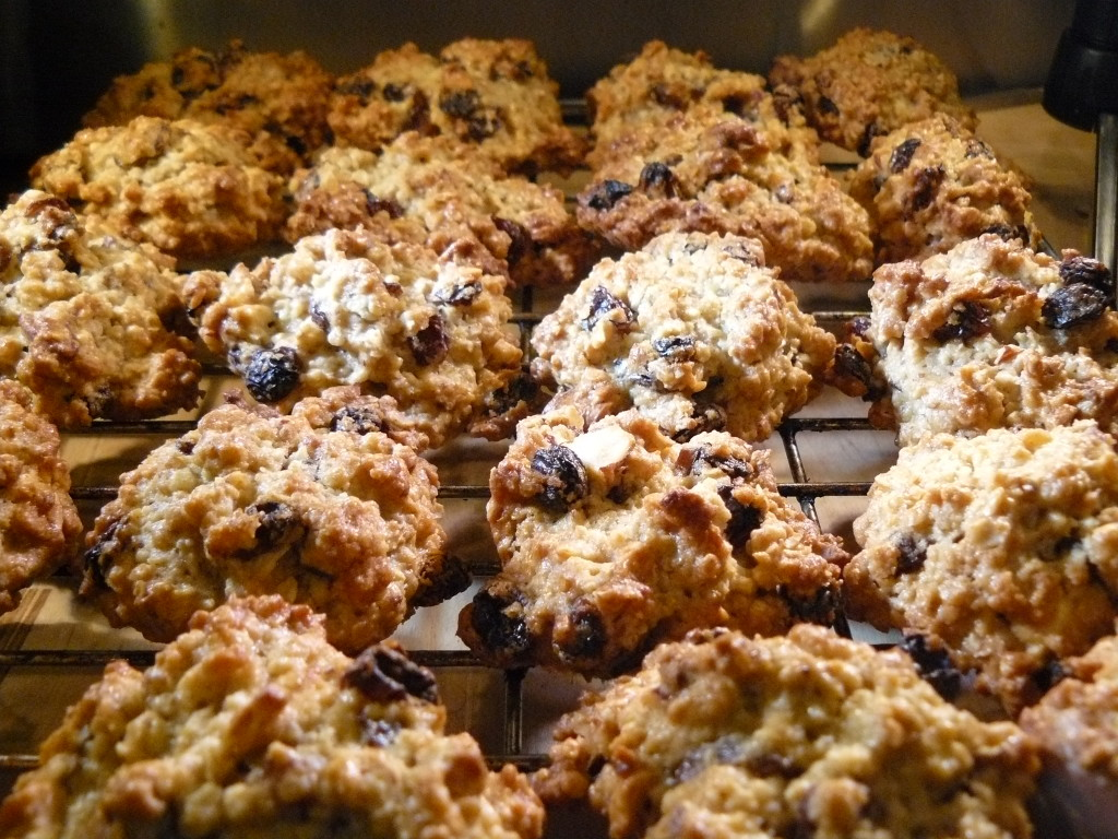 chewy nut and oatmeal cookies 2