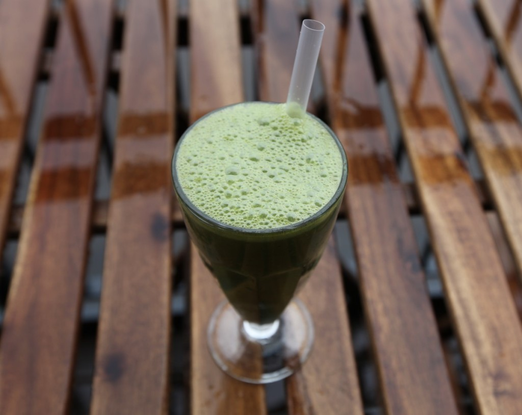 Green Tea, Kale and Cacao Nibs Smoothie