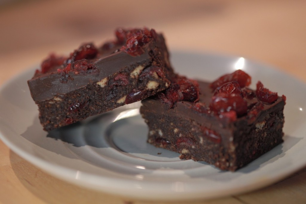 cranberry tiffin, vegan tiffin, cranberry recipes, chocolate recipes